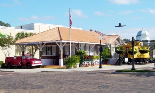 Outside view of the Railroad Depot that now is the Winter Garden Heritage Museum.