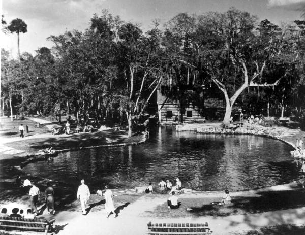 Juniper Springs Tourists from 1948 (United).