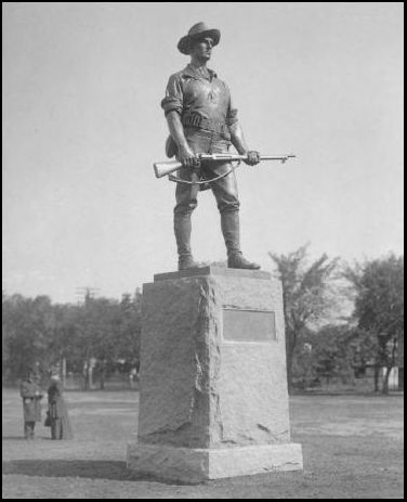 A photograph of the original statue of 1906 at the University of Minnesota.