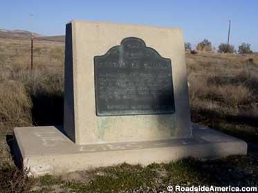 Historic marker at Arroyo de Cantua