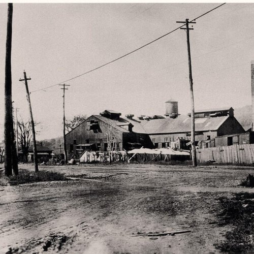 A view of the Banner Window Glass Company, one of the earliest industrial endeavors of the brand new city. It brought over 200 new settlers to the Kanawha Valley, most of them first generation