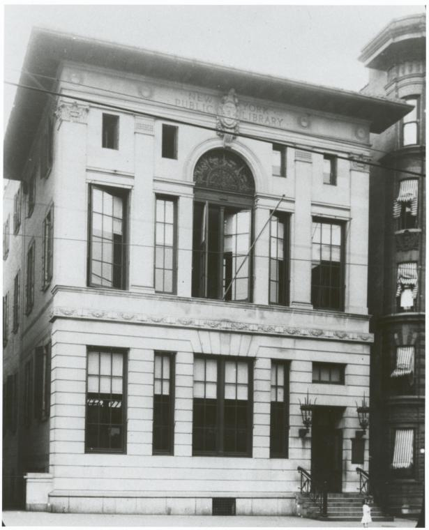 The 135th St. Library entrance in 1910, eleven years prior to Belpré's arrival