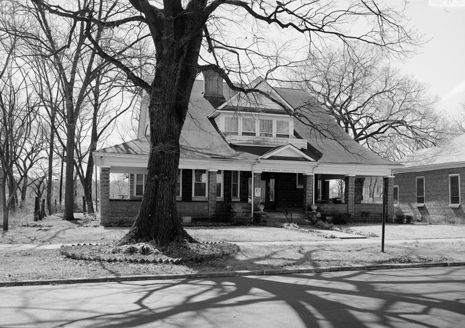 The A.M. Brown House was built ca. 1908.