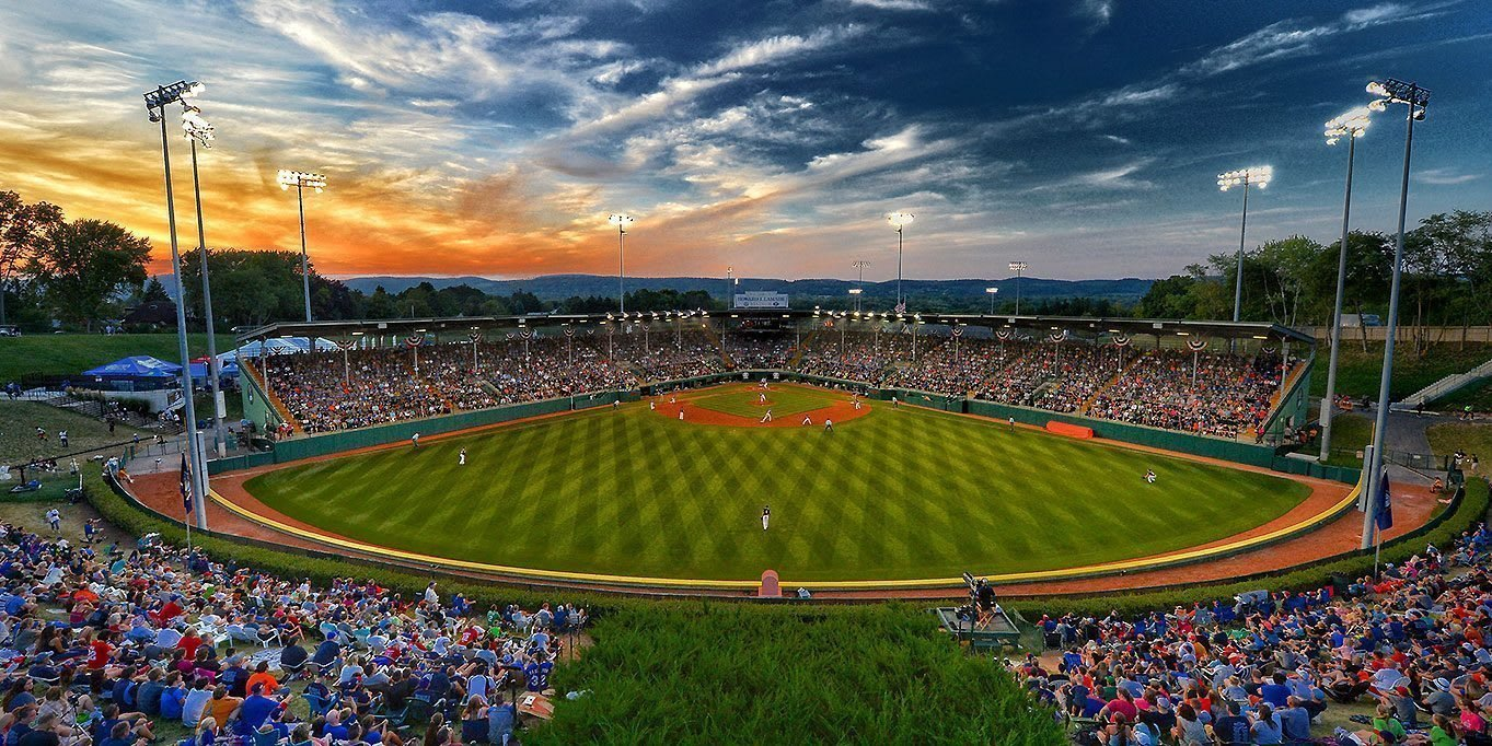 This is a picture of the stadium from centerfield. https://www.littleleague.org/news/howard-j-lamade-stadium-named-2018-field-distinction/
