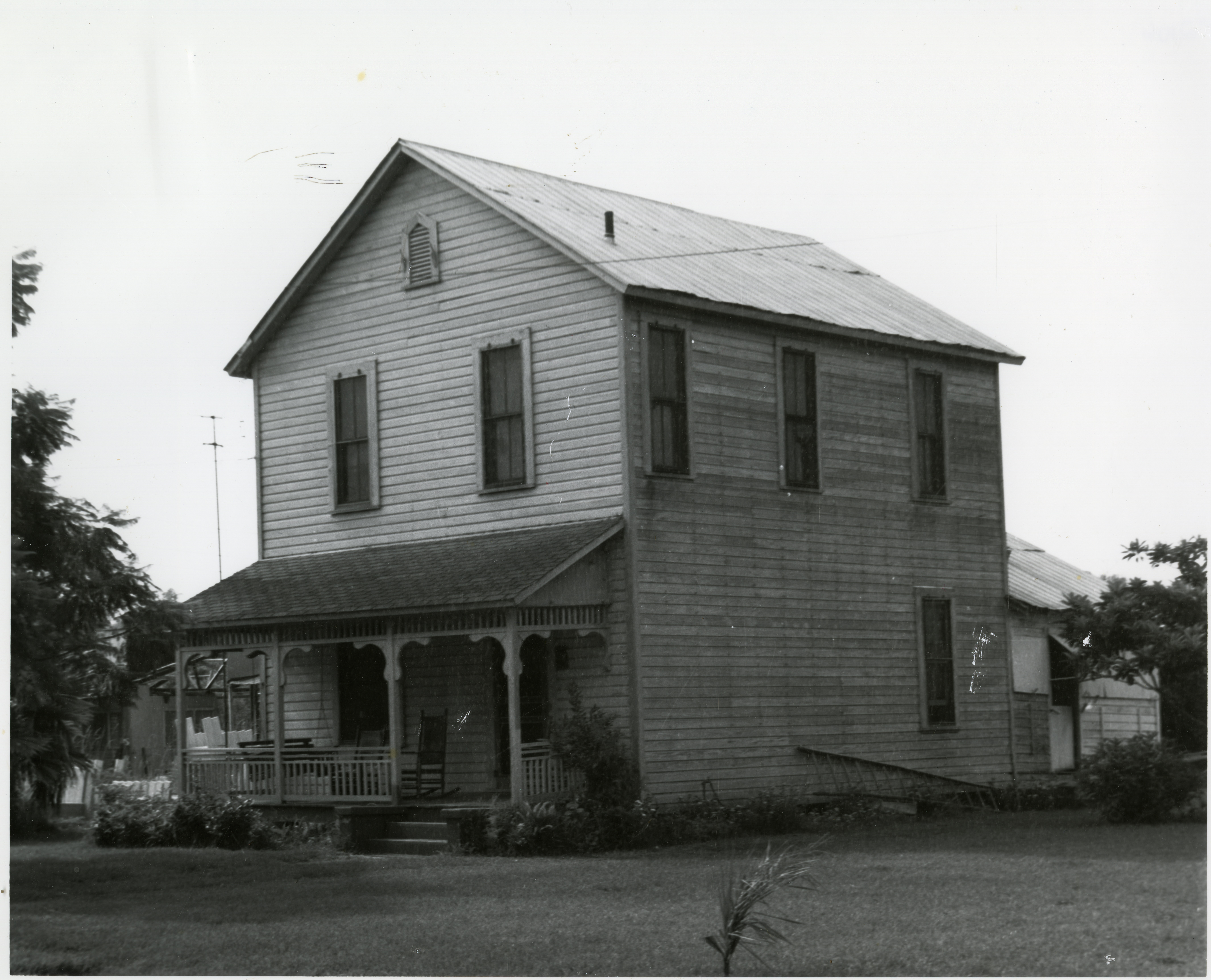 Plant-Sumner House in 1976, before it was moved to Heritage Village.