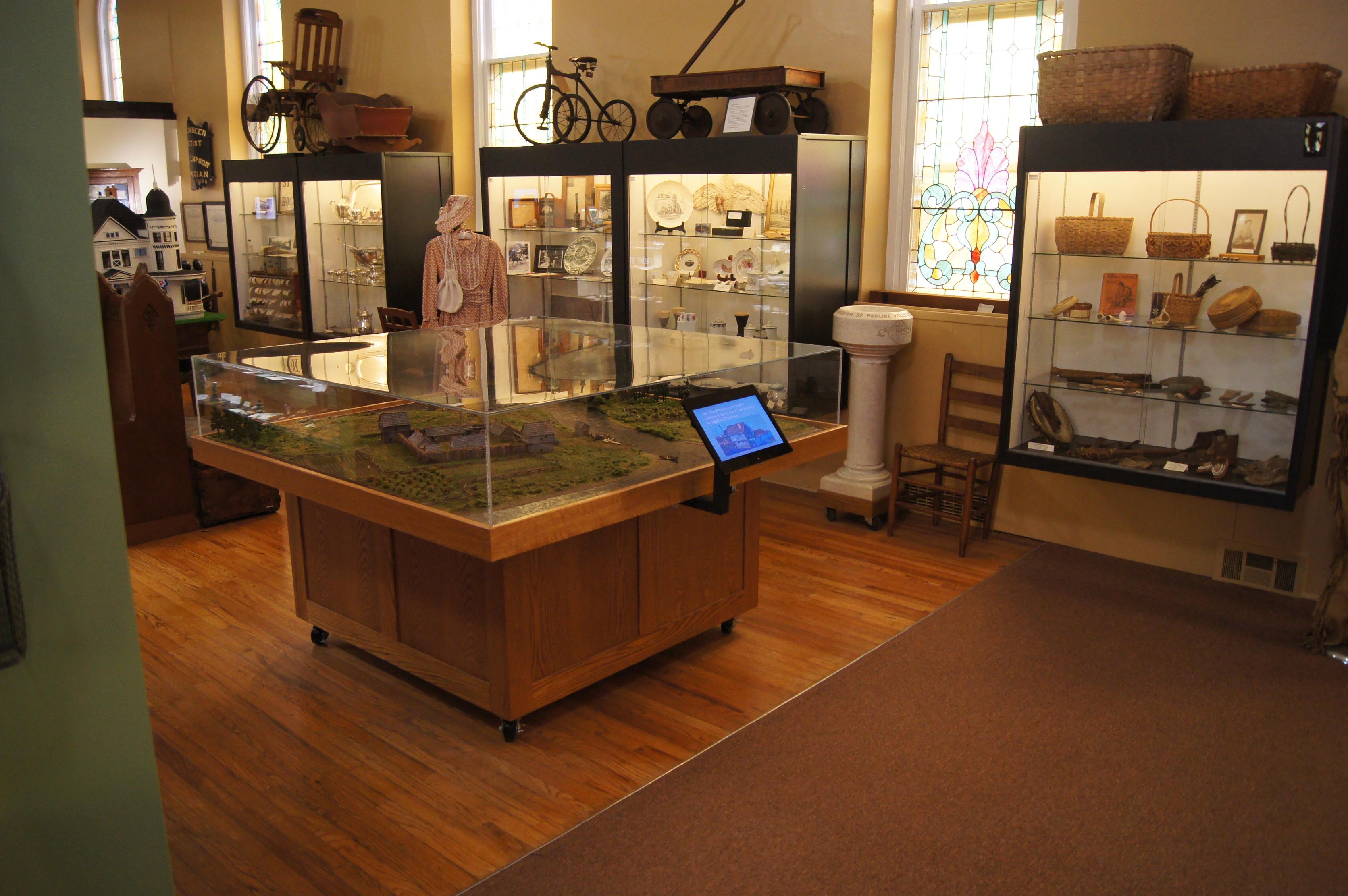 Fort Sinclair model & displays