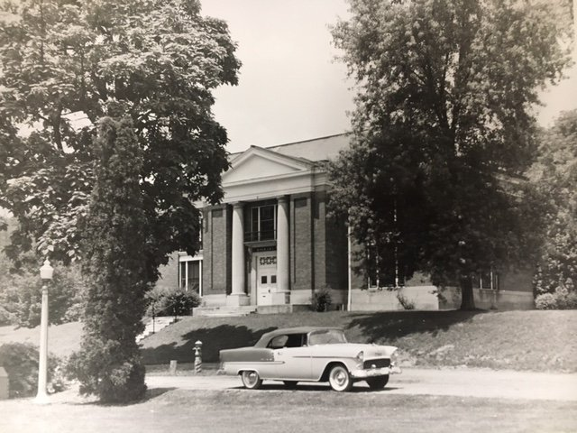 The Carnegie Vincent Library as it appeared in the 1950s.