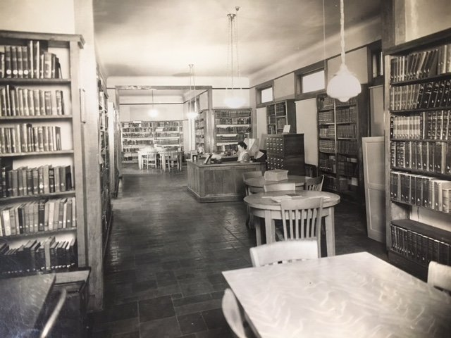The interior of the Carnegie Vincent Library in the 1950s.