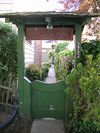 Side gate to the Berkeley Piano Clubhouse