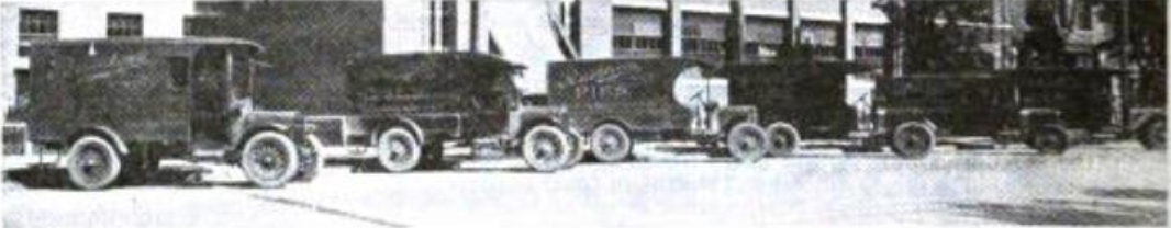 A fleet of Rushton Baking Company's delivery wagons, circa 1919