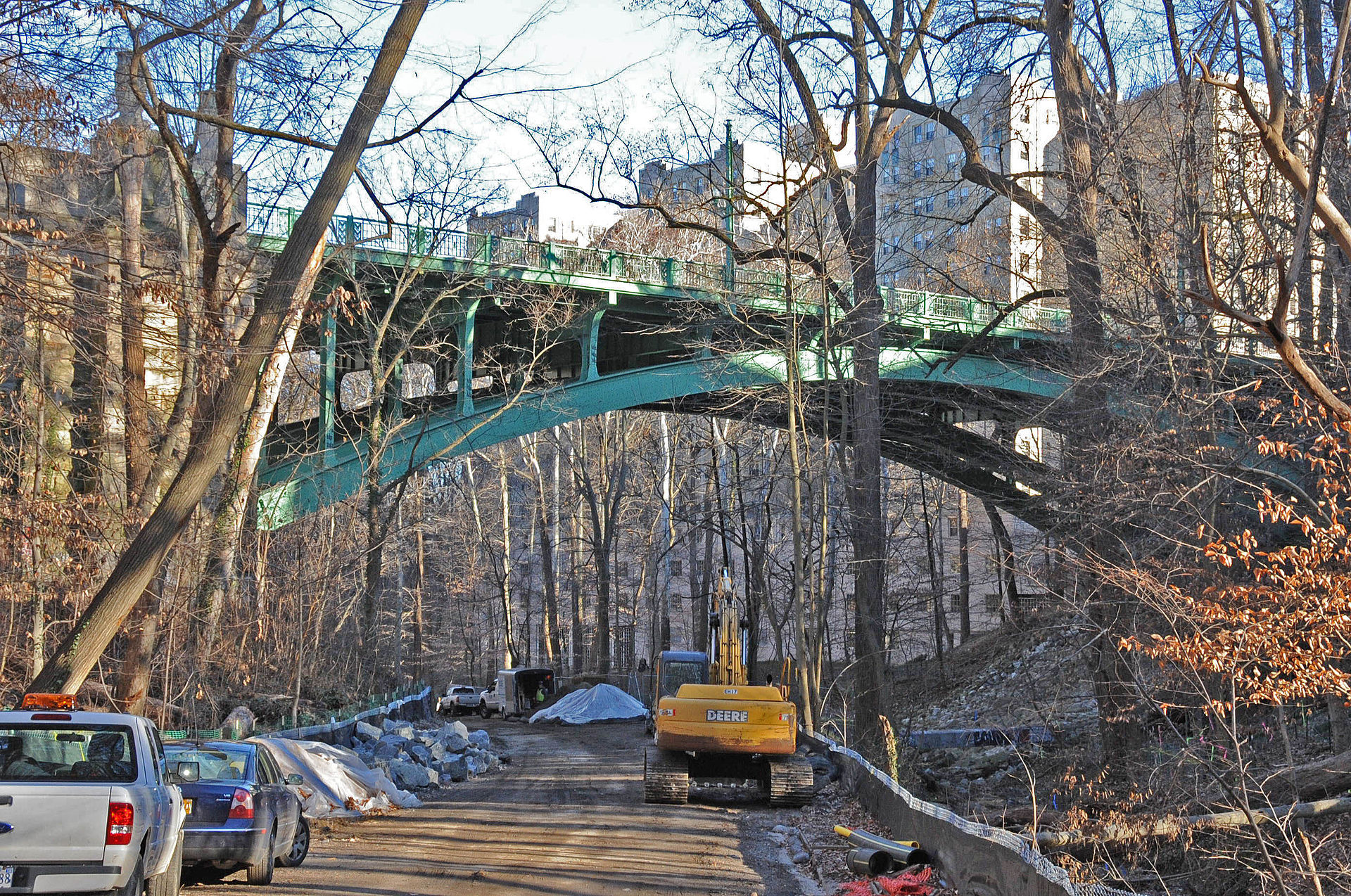 View of the Klingle Valley Bridge from below in the midst of the Klingle Valley Trail construction project. Photo by Dana Jerrye and Roy Klotz, Wikimedia.