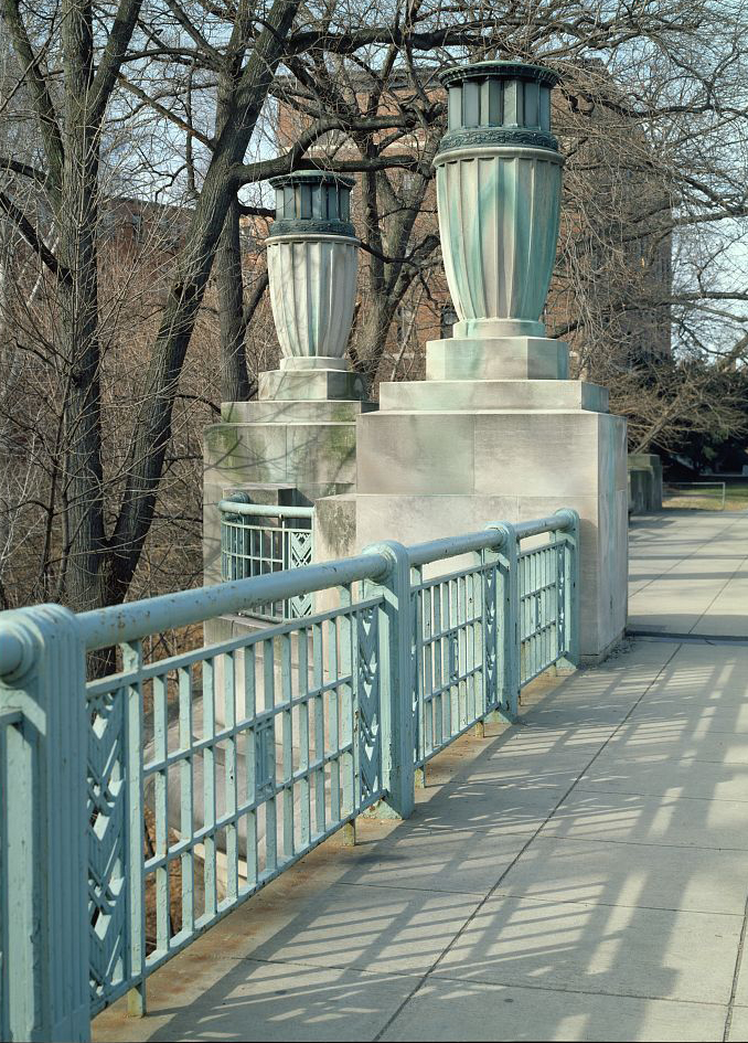 The bronze lanterns are the most distinctive elements of the bridge and  were installed to be beautiful yet subtle. Photo by Carol M. Highsmith, Library of Congress.