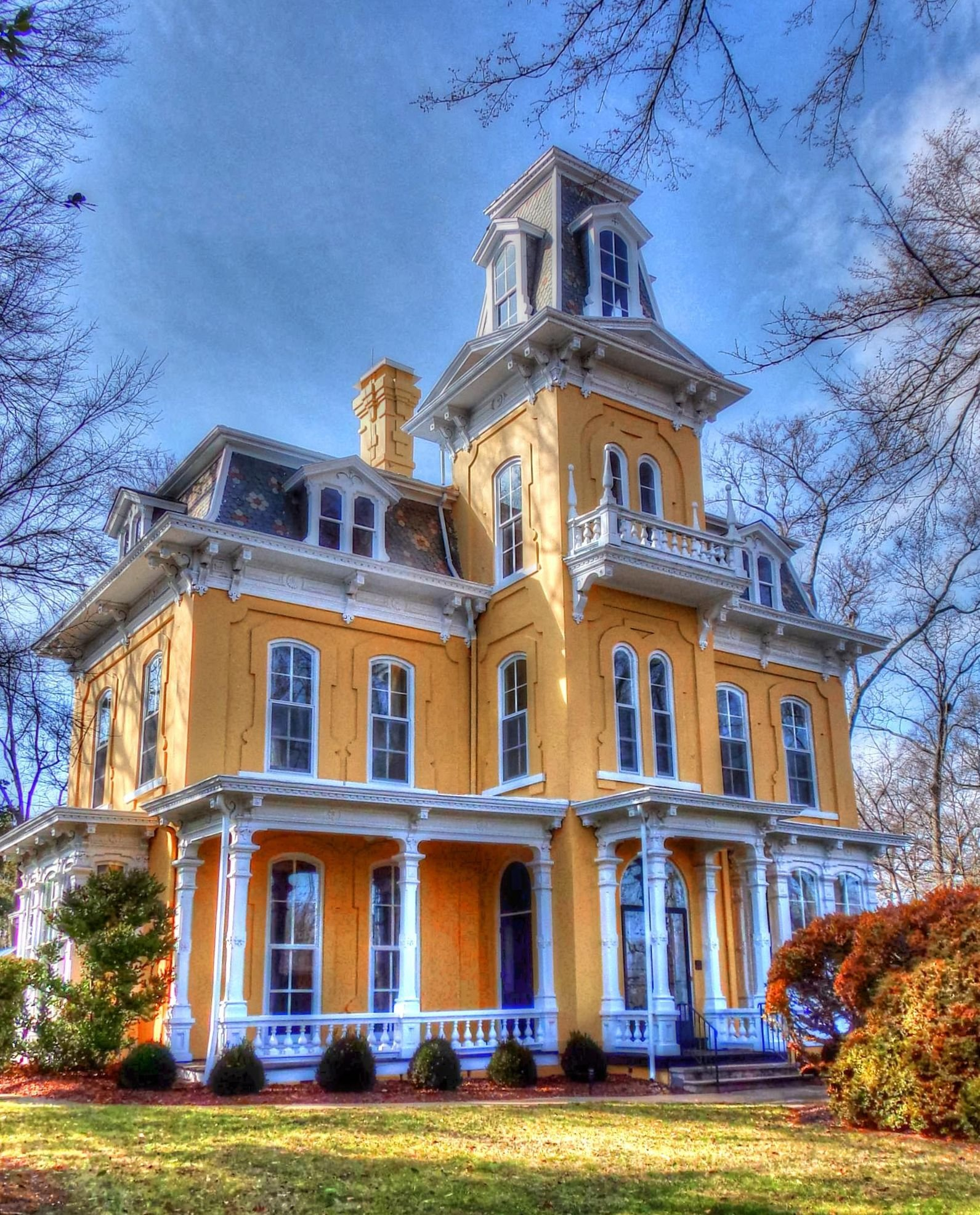 https://blueridgeimpressions.wordpress.com/2015/03/07/more-shelby-n-c-mansions/