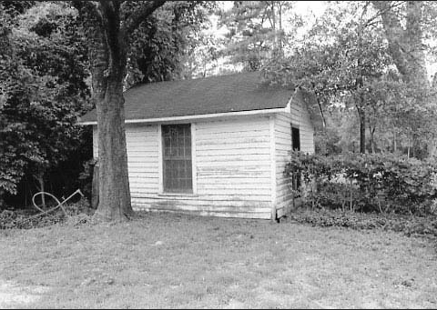 Photograph of detached kitchen building, Woodlands house yard, NRHP nomination