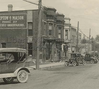 Looking north on Milwaukee Avenue, 1923