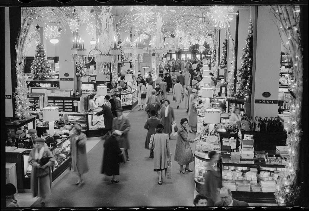 Christmastime in the 1950s, when Woodies would have up to 6,000 employees running the busy department store. Photo by Marion S. Trikosko, Library of Congress.
