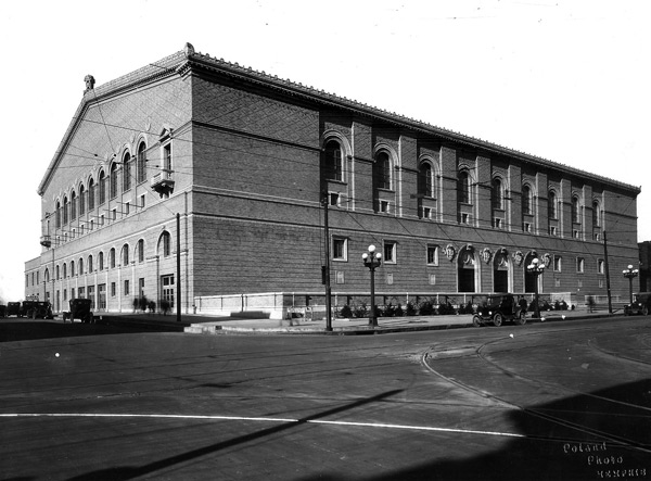 A picture of the Memphis and Shelby County Auditorium as it stood in 1926. Constructed by George Awsumb, it would not be renamed to the Ellis Auditorium and Marketplace until after the untimely death of Robert Ellis in 1930.