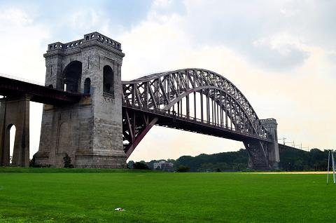 Hell Gate Bridge (2012)