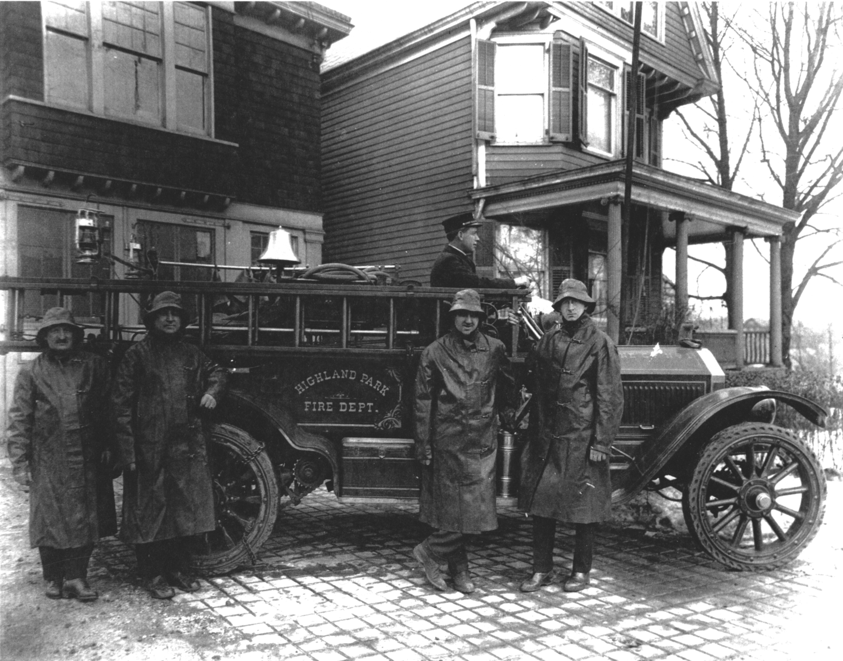 Photo in front of the firehouse in 1922