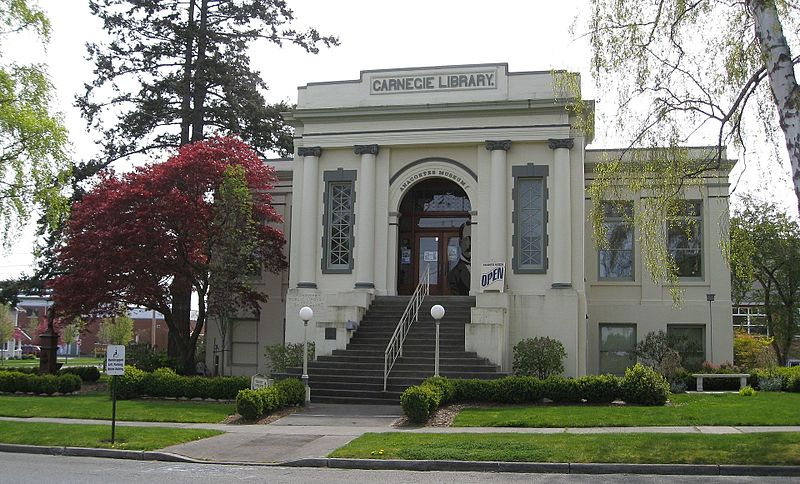 Housed in the historic Carnegie Library, the Anarcortes Museum preserves and promotes local history.