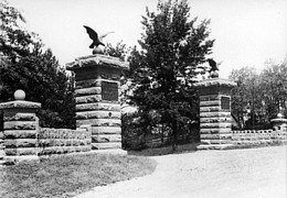 Entrance to the park in 1900