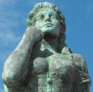 Close-up of current Norwegian Lady Statue