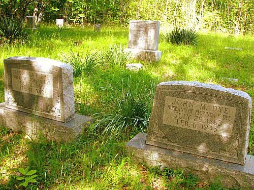 Graves at the Summerfield cemetery. (Photo credit: Suzanne McMinn/chickensintheroad.com)