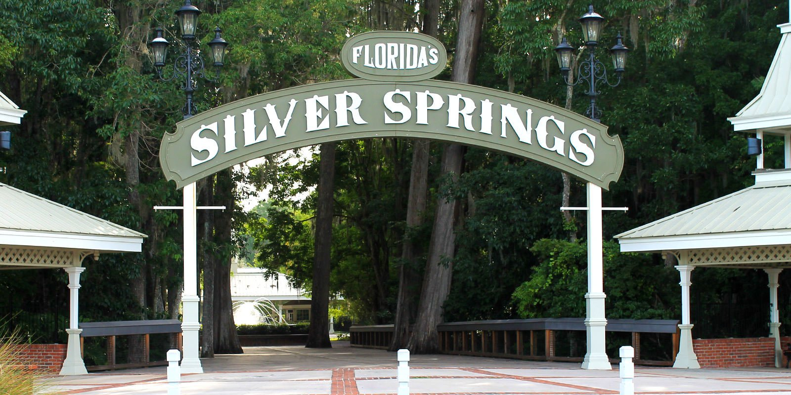Silver Springs main front sign.
