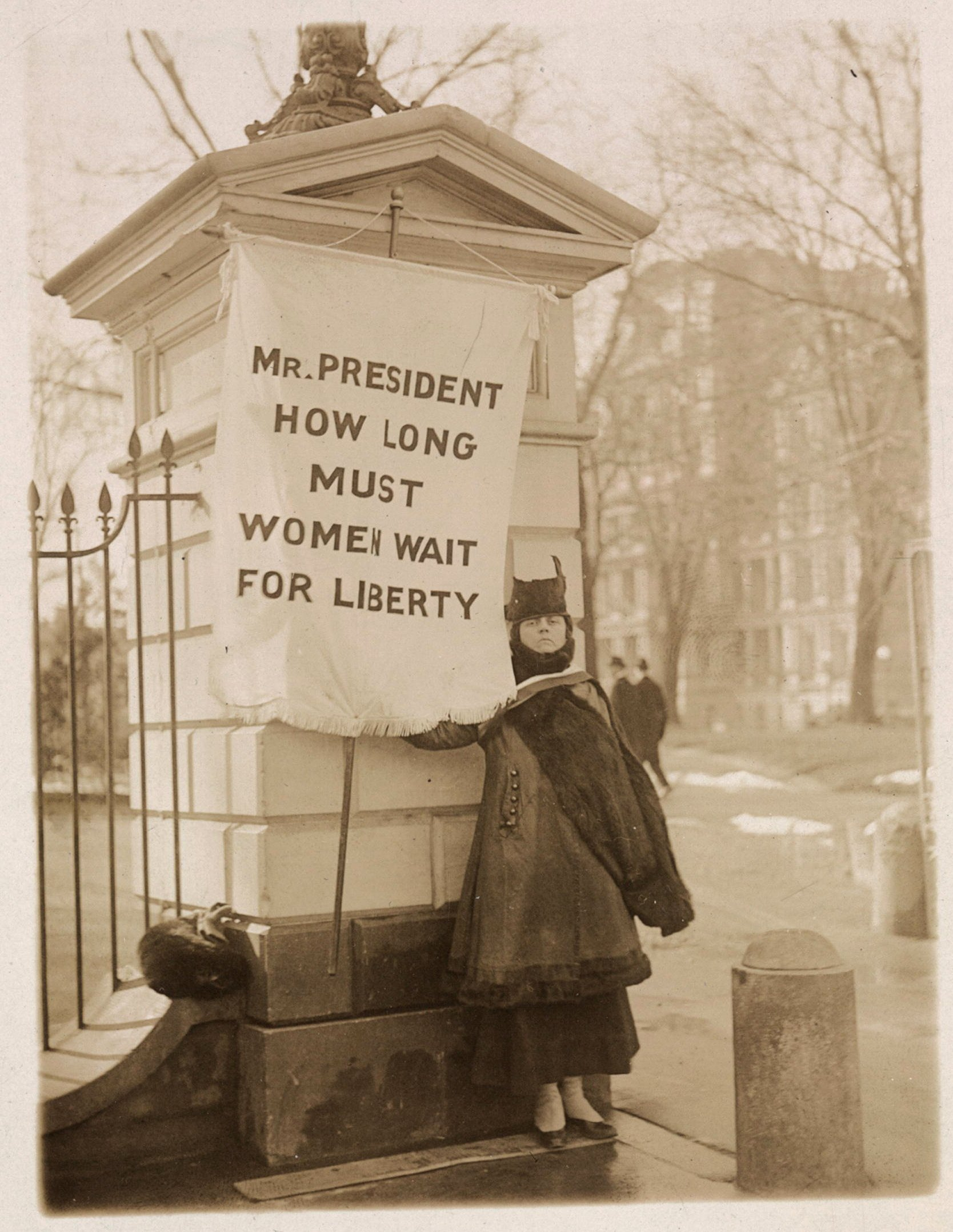 Alison Turnbull Hopkins, Silent Sentinel later jailed for her activism, pickets outside the White House. Library of Congress.