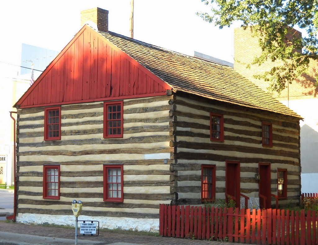 The Barnett Bobb House is a fine example of late 18th-early 19th century living.