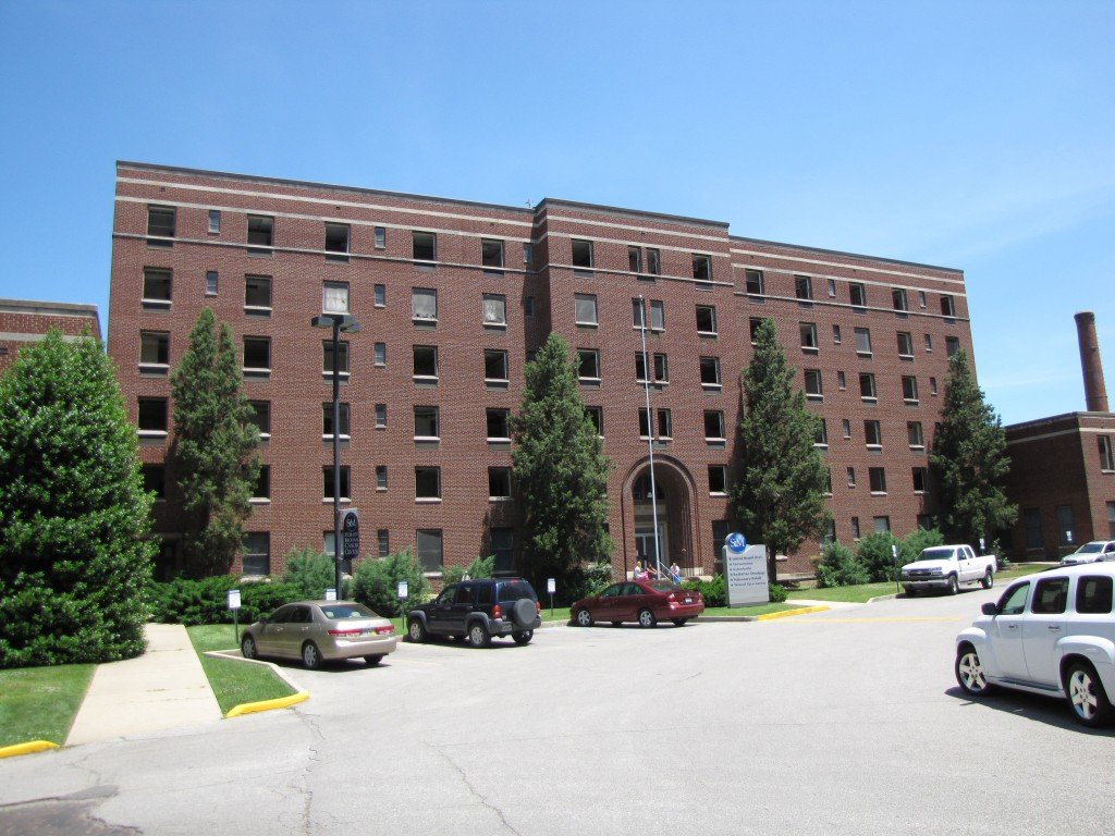 The School of Nursing building, which opened on October 14, 1947, included living spaces and classrooms, but would eventually house many doctor's offices as well.4