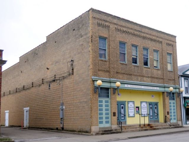 Lincoln Theater operated between 1920 and 1967. Thanks to local residents and the New Martinsville Parks and Recreation Department, it once again hosts live entertainment and community events.