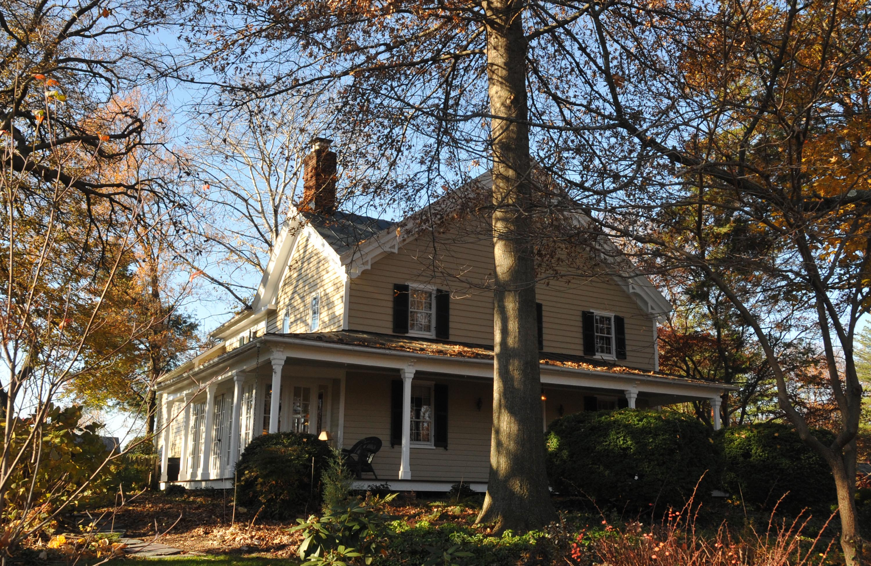 November 22, 2012 photo of Birch House by Jerrye & Roy Klotz, M.D.