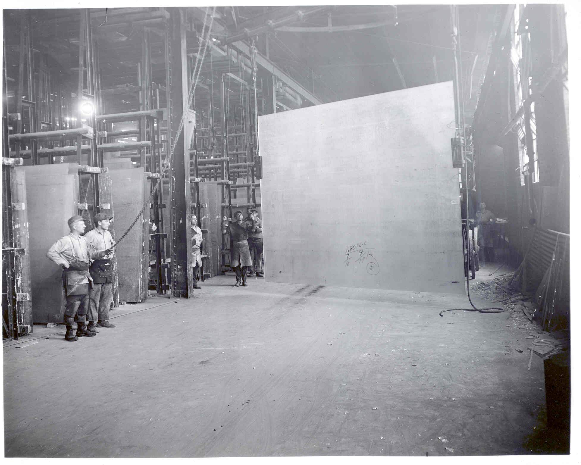 Sheet Glass production using the Colburn method; 1916