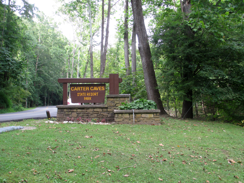 Carter Caves Sign