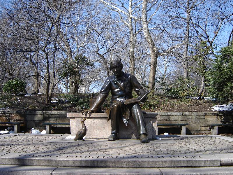 A close up picture of the Hans Christian Andersen Statue.