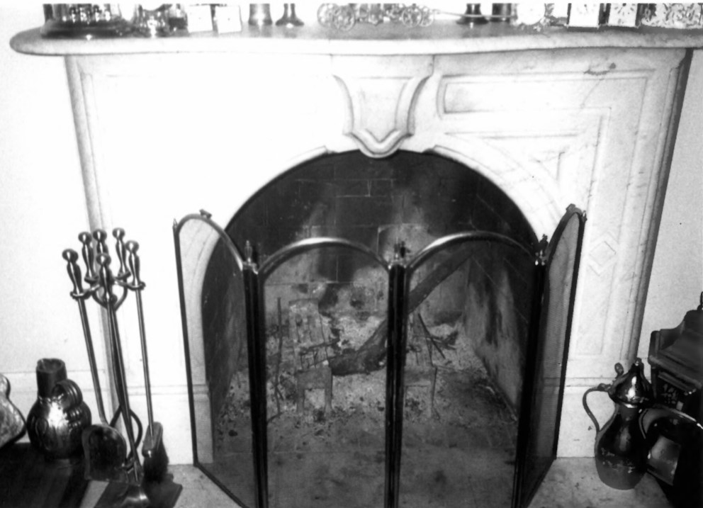 Marble mantle in Gertrude and Nelson Burch House (Beetem 2002)