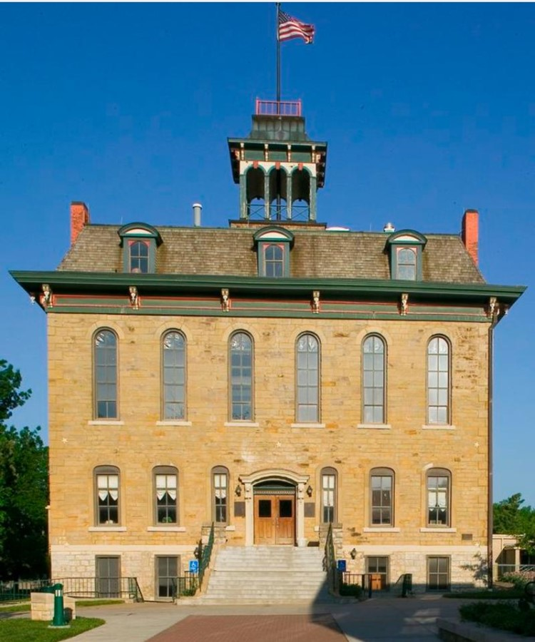 2008 photograph main facade Parmenter Hall, Baker University (KSHS)