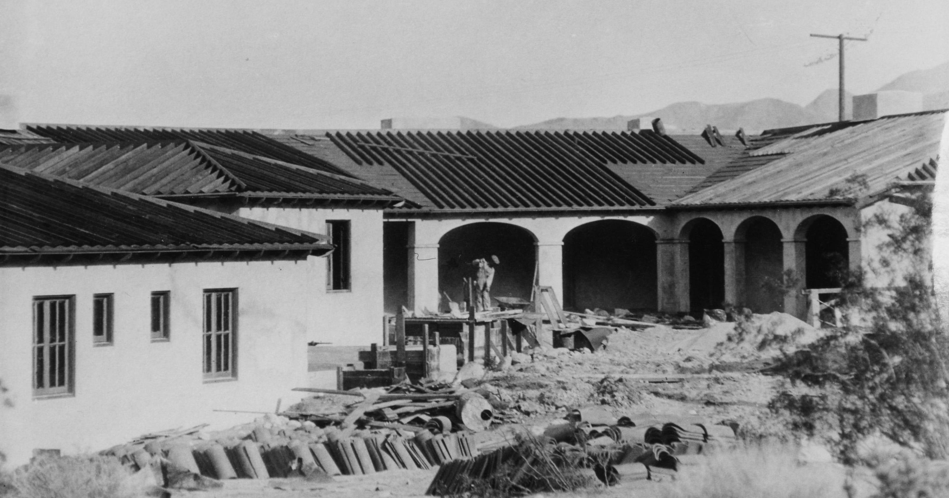 Building the Ingleside Inn, 1924