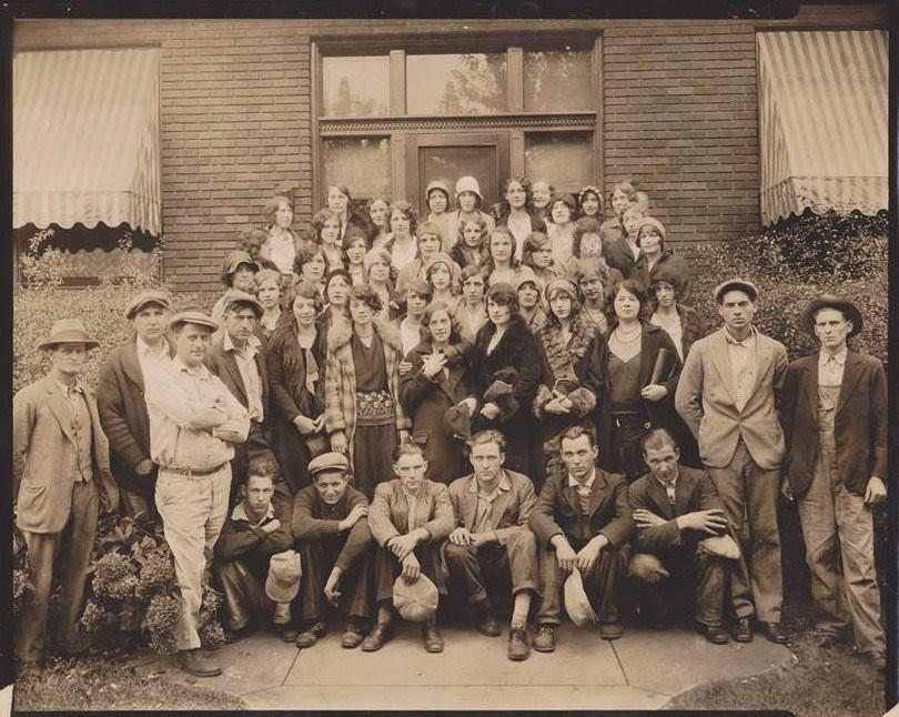 Owens-Illinois employees, circa 1930s