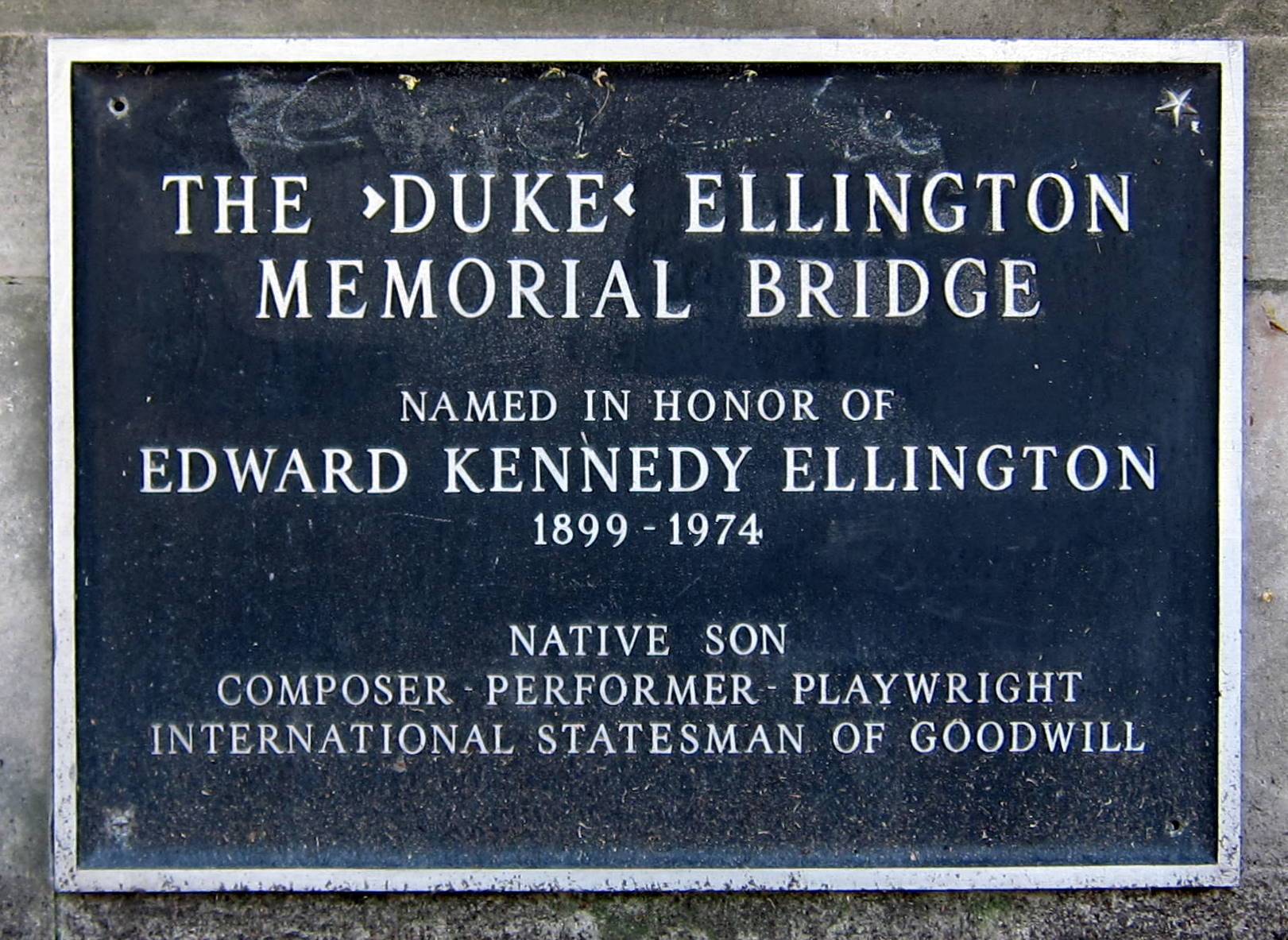 Plaque on the Duke Ellington Bridge honoring the musician, who was born in Washington, D.C. Wikimedia Commons.