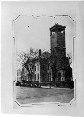 The Jackson County Courthouse in 1900. The structure served as Pleasanton's headquarters on Oct. 22, after Confederates were pushed out of Independence. Harry S. Truman later served here. Courtesy of University of Central Missouri History.