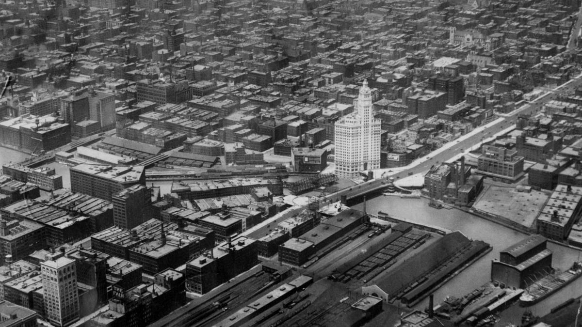 1921 aerial view showing the south tower dominating the Chicago downtown