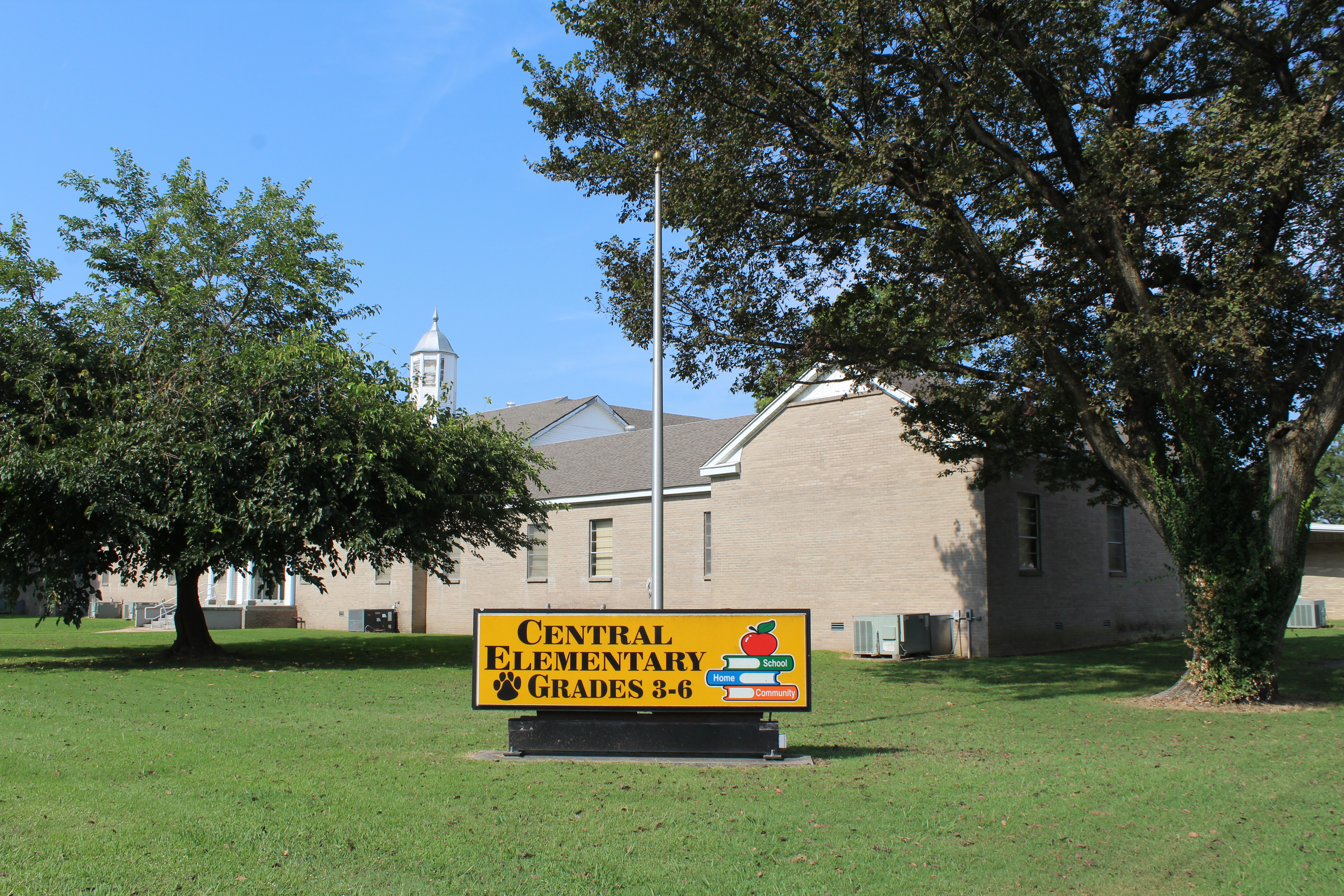 Central Elementary School sign in 2019