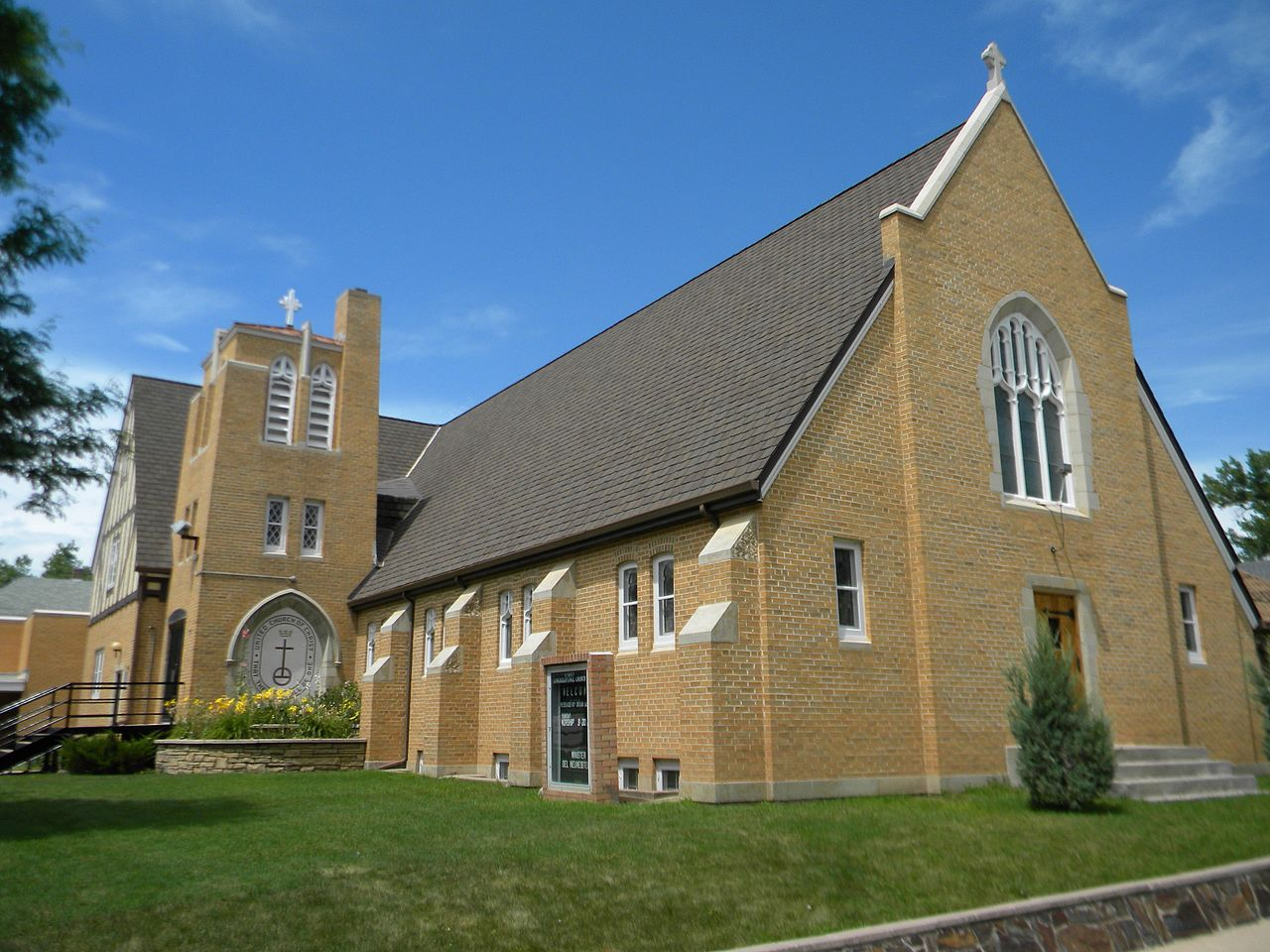 First Congregational United Church of Christ is a fine example of Tudor Revival architecture. It was built in 1949.