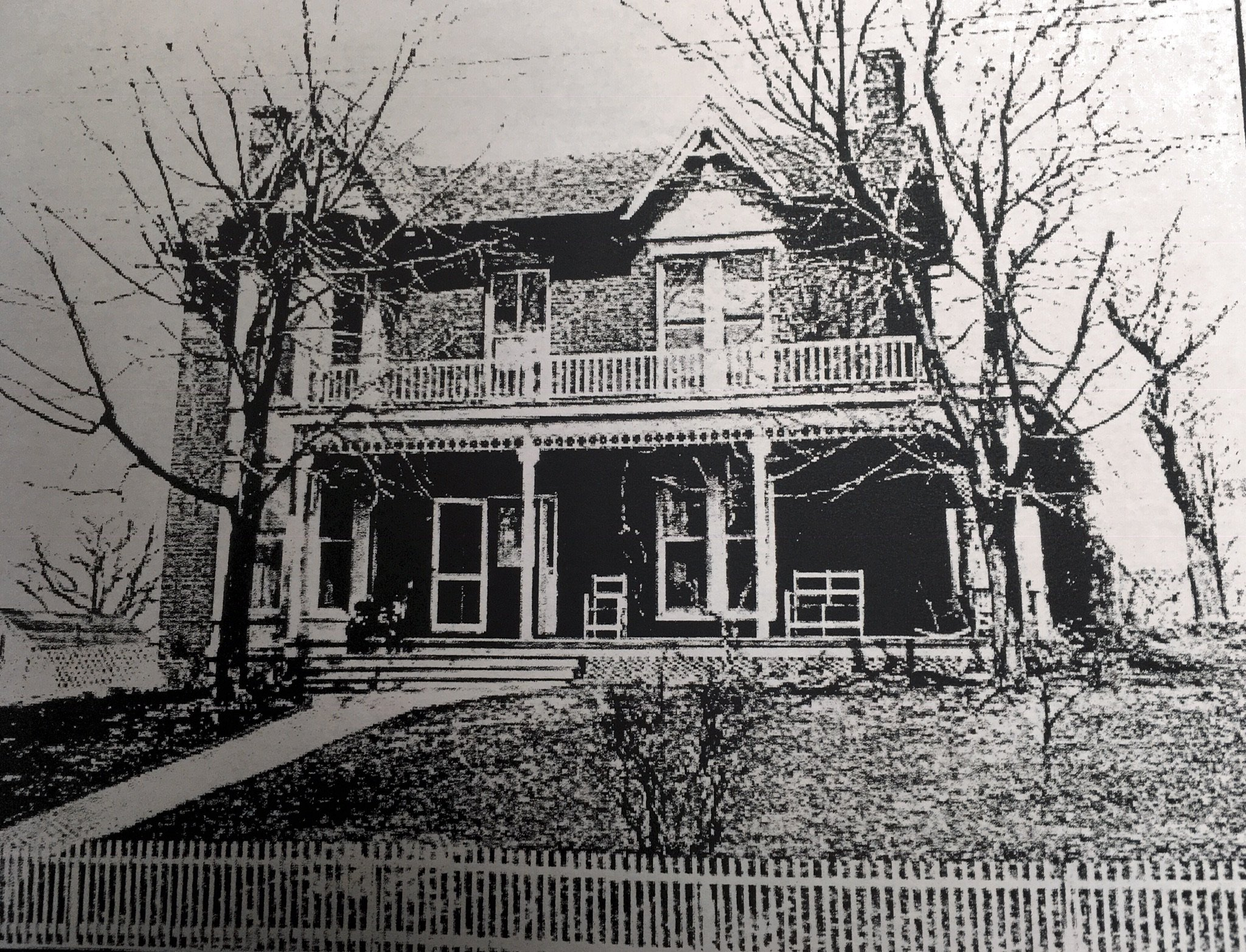 Early photo of the house. Courtesy of Greenbrier Historical Society.