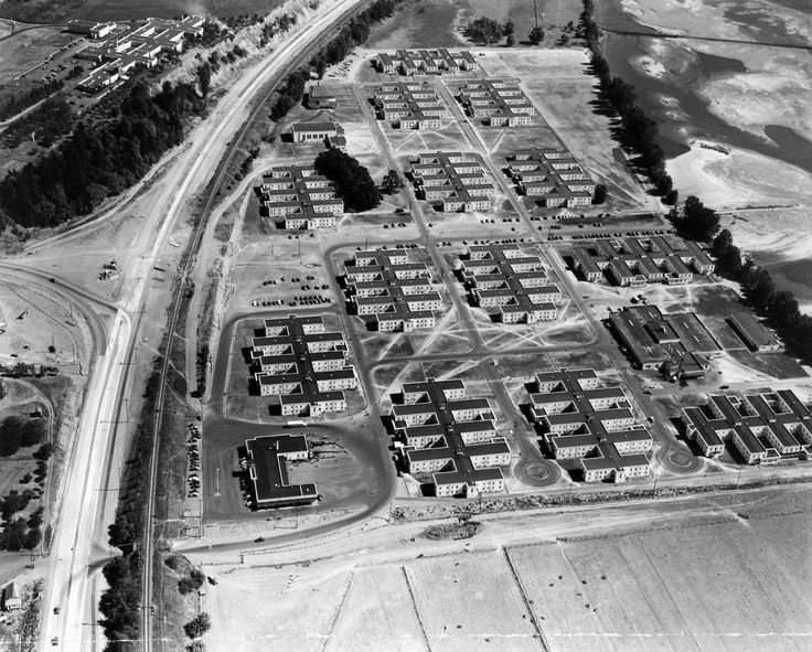 Hudson houses for Kaiser employees at Vancouver, Washington during World War II.