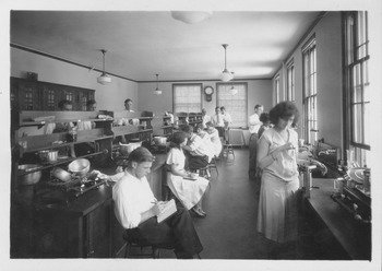 Chenoweth Lab, early 1900s.