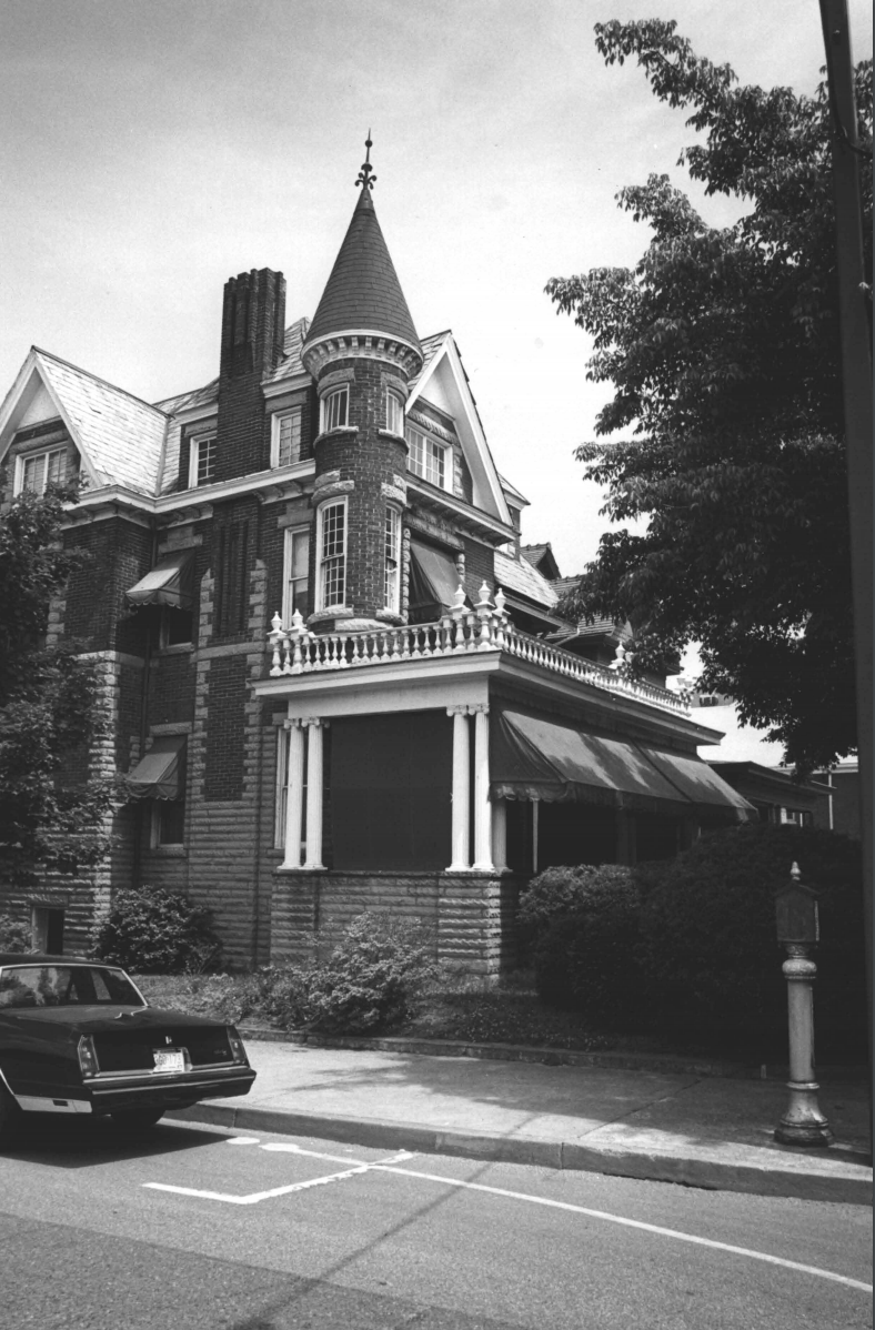 The Campbell-Hicks House, pictured in 1985