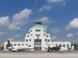 The Terminal was completed in 1940 and served as the primary commercial air terminal for Houston until 1954.